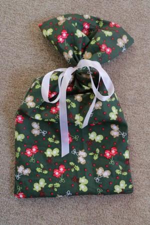 Fertiger gefüllter Geschenkbeutel
