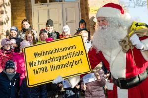 Adresse: An den Weihnachtsmann, Weihnachtspostfiliale,16798 Himmelpfort