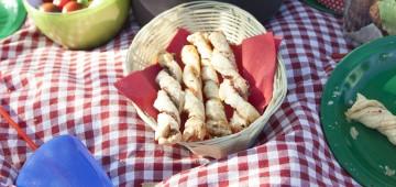 Picknickdecke mit Snacks